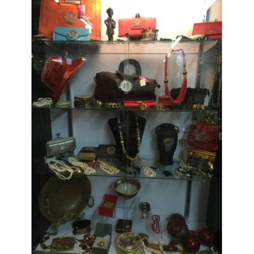 Many vintage purses and jewelry available
